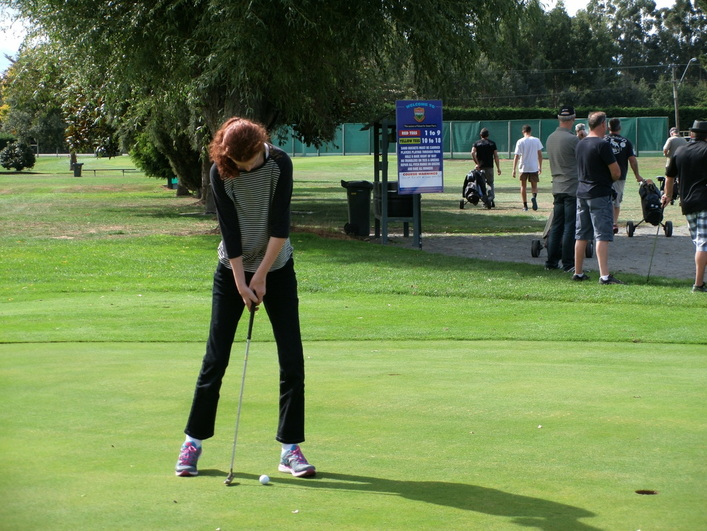 Lilian on the putting green at the Christchurch Heat Pumps NOW fundraiser.